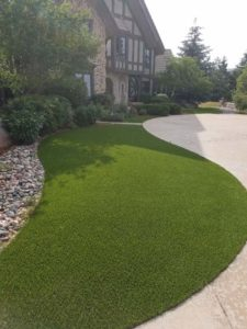artificial-grass-front-yard3